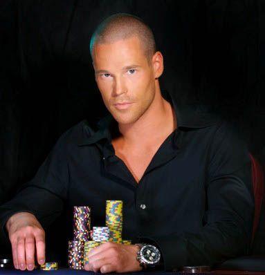 Не совсем серьёзно: не сняться ли игрокам в покер в... 101