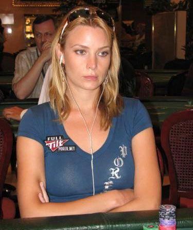 Erica Schoenberg nominovana za najseksipilniju ličnost u Svetu Pokera u 2010. 102