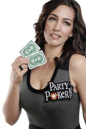 Poker mniej serio: prezenterki programów pokerowych 105