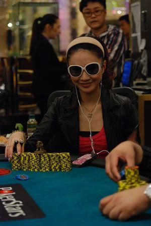2011扑克之星澳门百万大奖赛冠军诞生 102