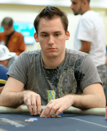 Judtin Bonomo - Chip leader Super High Roller