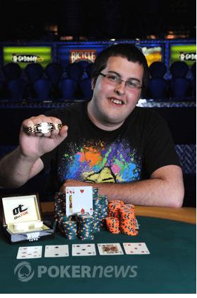 WSOP daugėja apyrankių laimėtojų, tačiau Philui Hellmuthui laimėti 12-osios nepavyko 101