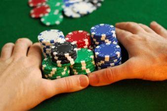 Ne visai rimtai: prietarai pokeryje 103