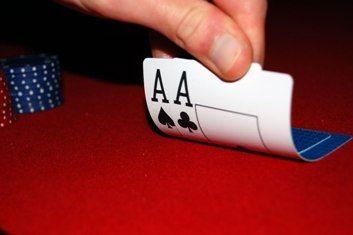 Poker niezbyt serio: pokerowe przesądy 101