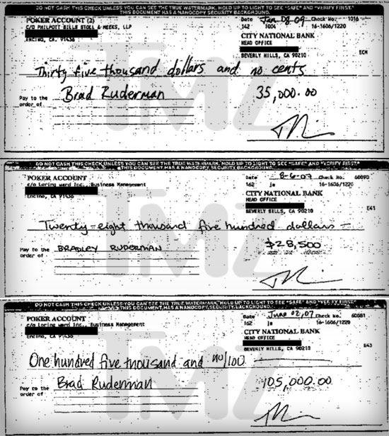 Tři šeky, které Maguire doložil jako důkaz