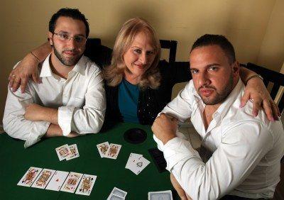 Mama su dvyniais Ericu ir Michaelu