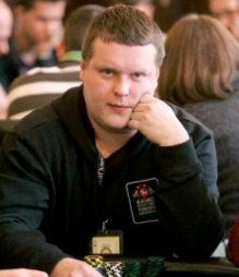 LSPT Palanga finalinis stalas tiesiogiai per PokerNews LT jau šiandien! 107