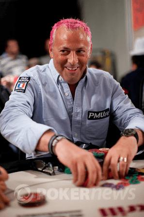 Po pralaimėtų lažybų Guillaume Darcourtas nusidažė plaukus ryškia rožine spalva, tačiau, kaip pats sako - jam tai patinka.