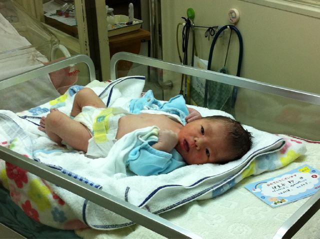 John Juanda je otcem 101