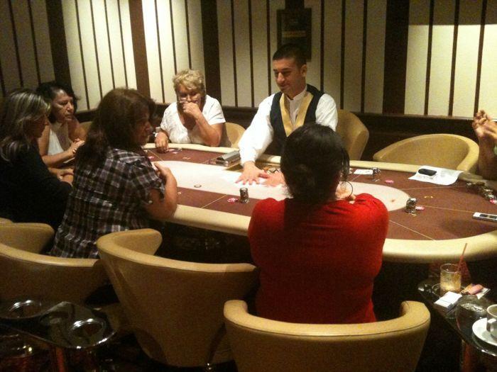 Το Regency Casino Thessaloniki μαθαίνει πόκερ στις γυναίκες... 102