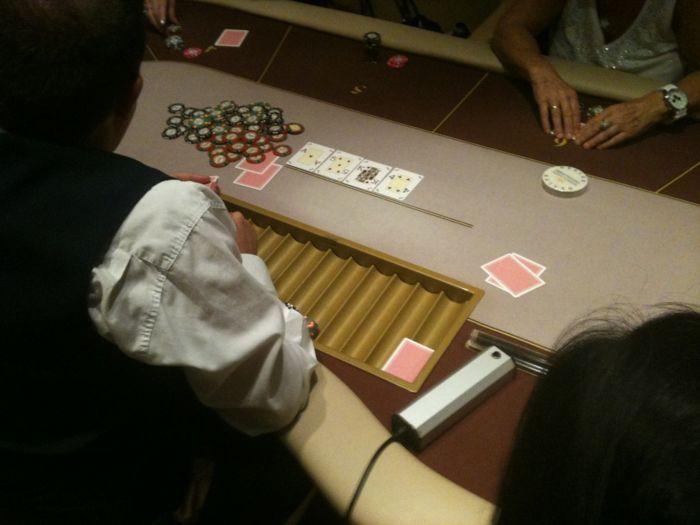 Το Regency Casino Thessaloniki μαθαίνει πόκερ στις γυναίκες... 101
