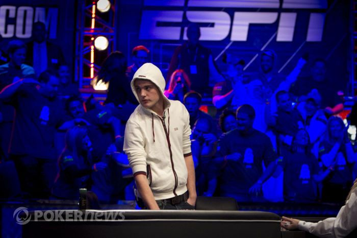 2011 World Series of Poker Main Event финална маса: Lamb, Heinz или Staszko? 115