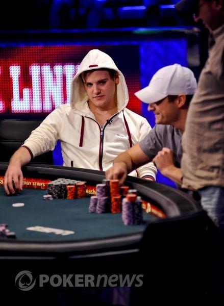 WSOP 2011: visų akys nukreiptos į žetonų lyderį - Piusą Heinzą 101