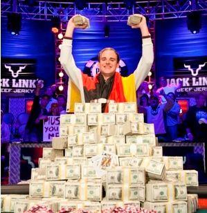 Piusas Heinzas - 2011 WSOP pagrindinio turnyro čempionas! 102