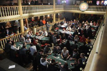 """Lietuvos sportinio pokerio čempionatas vyko prabangiame """"Niujorko"""" klube."""