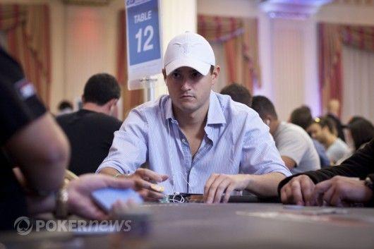 Mattas Giannetti susikaupęs žaidimui WSOP Europoje metu