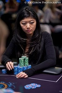 Xuan Li er den første kvinne som spiller et Main Event finalebord under PCA Main Event