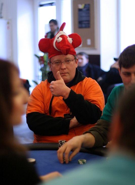 """Savaitgalį """"Pokerio Namuose"""" nugriaudėjo sportinio pokerio klubų čempionatas 101"""