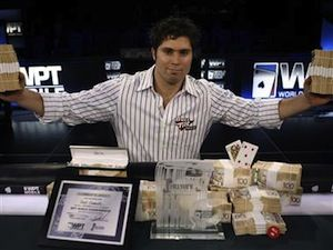 Scott Clements winning a WPT title.