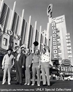 (De gauche à droite)Johnny Moss, Chill Willis, Amarillo Slim, Jack Binion & Puggy Pearson.