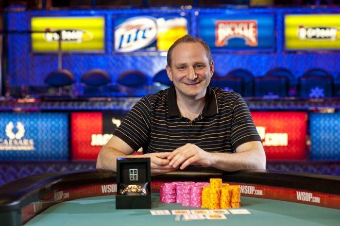 WSOP 2012: Martin Staszko musí do Re-entry, Andy Bloch má náramek 101