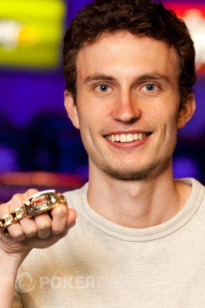 WSOP 2012: Růžička s Kropáčkem v penězích, ale už nepokračují 101