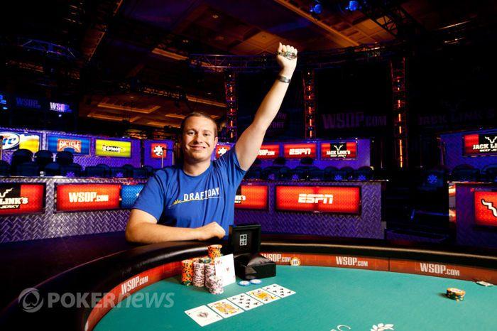 WSOP 2012: Hastings má náramek! 101