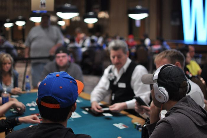 Jennifer Harman, Eric Froehlich and Daniel Negreanu's table