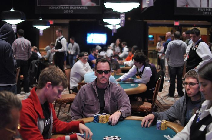 Another bromantic moment brought to you by the World Series of Poker