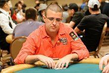 PokerStars spilleren Andre Akkari leder etter dag 1