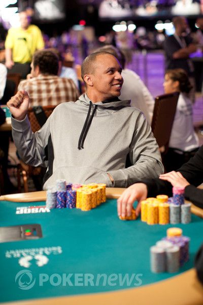 All Mucked Up: 2012 World Series of Poker Day 23 Live Blog 113
