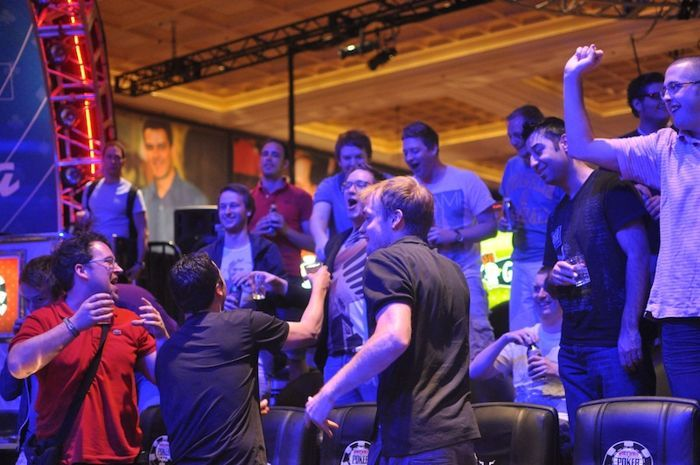 All Mucked Up: 2012 World Series of Poker Day 25 Live Blog 109