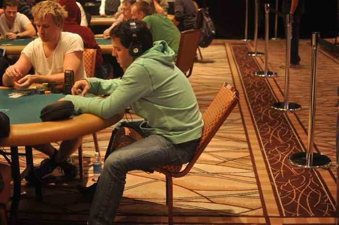 All Mucked Up: 2012 World Series of Poker Day 25 Live Blog 117