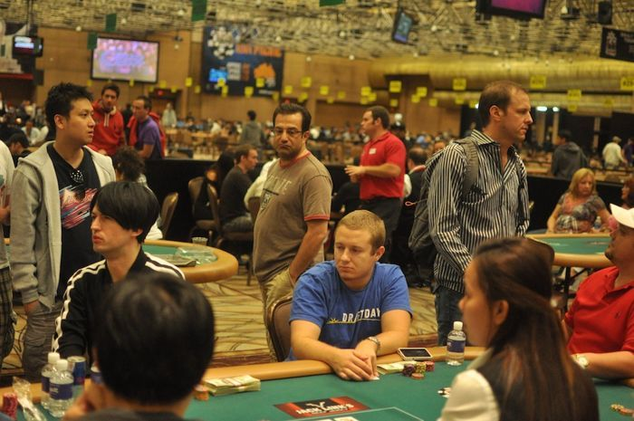 All Mucked Up: 2012 World Series of Poker Day 25 Live Blog 123