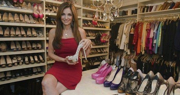 Dan Shak žaluje ex-manželku kvůli párům bot 101