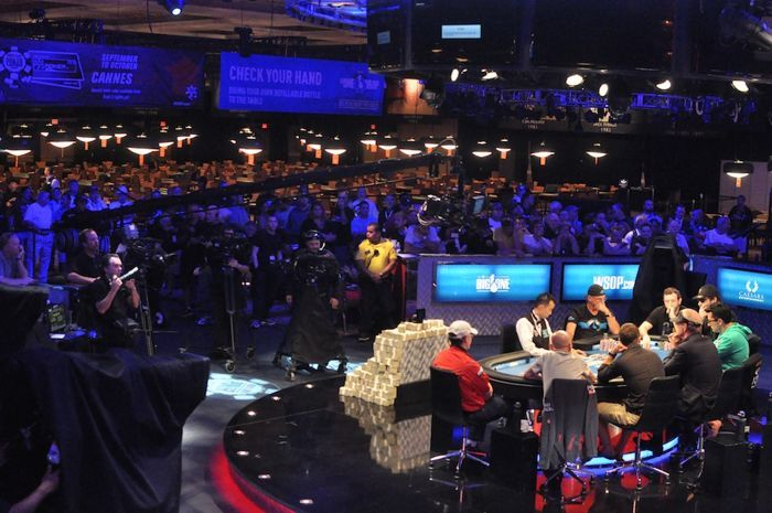 All Mucked Up: 2012 World Series of Poker Day 37 Live Blog 103