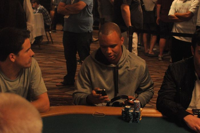 All Mucked Up: 2012 World Series of Poker Day 40 Live Blog 110