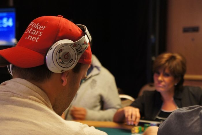 All Mucked Up: 2012 World Series of Poker Day 42 Live Blog 110