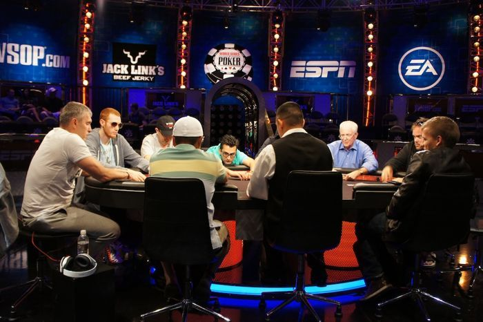 All Mucked Up: 2012 World Series of Poker Day 43 Live Blog 112