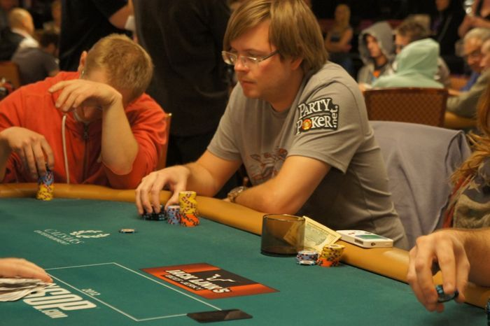 All Mucked Up: 2012 World Series of Poker Day 44 Live Blog 117