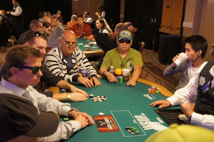 Shannon Shorr, Andy Frankenberger, Johnny Chan, and Randy Lew all at the same table