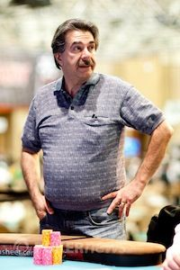 Don Zewin takes on Phil Hellmuth in 2012 WSOP Event #18 $2,500 Razz.