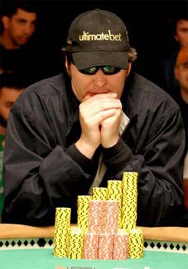 Pokerio profesionalas Phillas Hellmuthas yra pasakęs, kad pokeris jam yra visas gyvenimas.