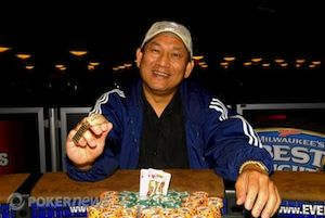 Steve Gee after winning his bracelet in 2010.