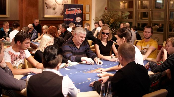 """Võida Pokernews Live """"Kuulsuste Eri"""" pilet soodsalt läbi live-satelliidi 102"""