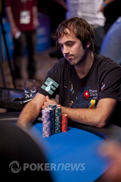 Mercier at the sight of Esfandiari's hand