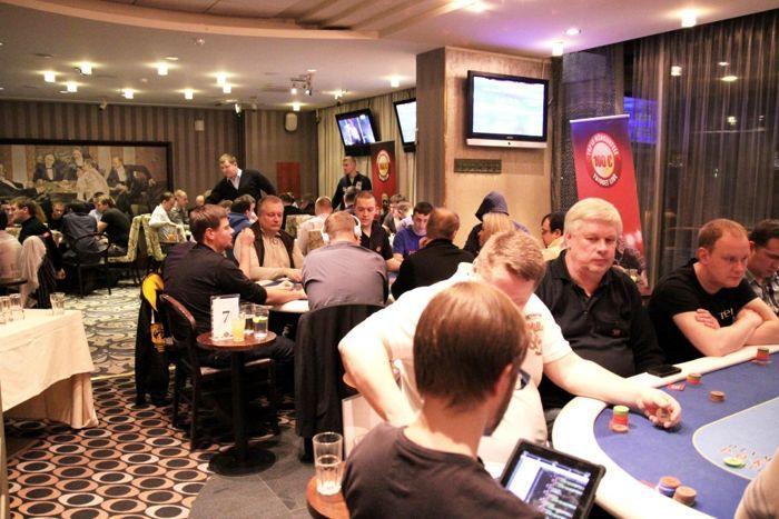 Triobet Live tõi Olympic Casinosse täismaja ning 37 mängijat pääses lauadesse alles ootenimekirja alusel.