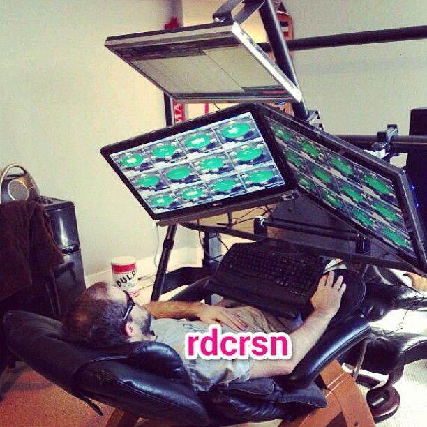 Sickest setup. Итоги фотоконкурса от PokerStars 103