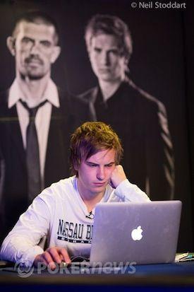 "Viktor ""Isildur1"" Blom playing online."