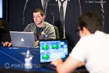 "Tom ""durrrr"" Dwan playing online."